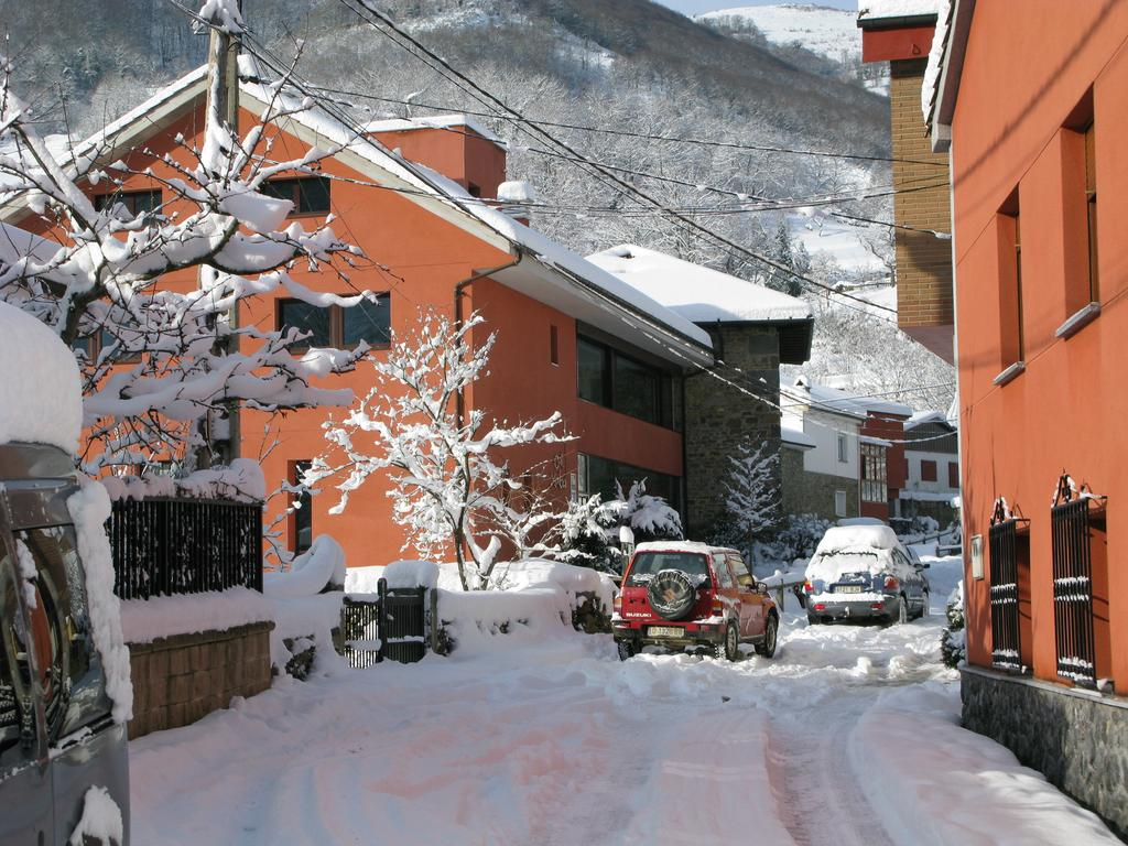 Exterior Xabú Hostel Ca'l Xabú nieve