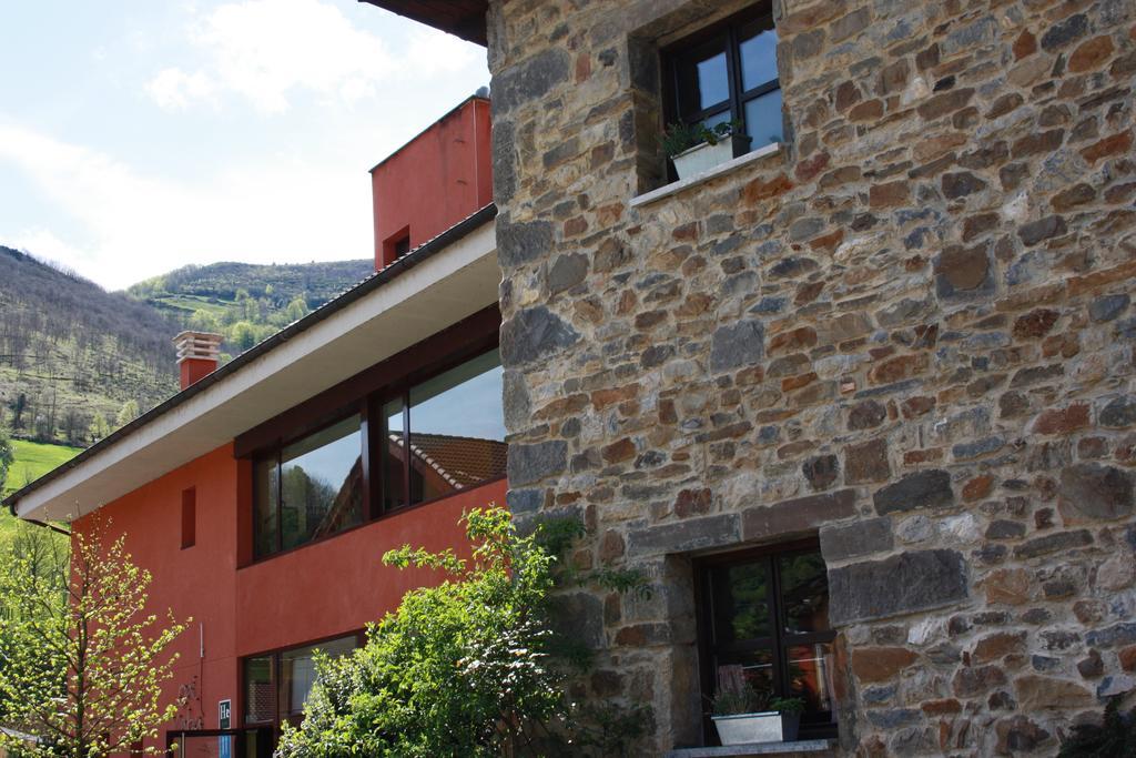 Exterior Xabú Hostel Ca'l Xabú 2
